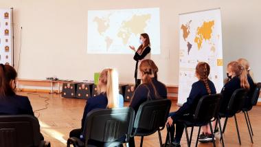 Valstybės pažinimo centro komanda lankėsi Telšių bei Palangos progimnazijose!