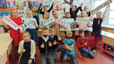 """Druskininkų """"Saulės"""" pagrindinės mokyklos 3 a klasės linkėjimas Lietuvai"""