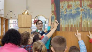 Šeimos sekmadienis II Prakalbinti Tautišką giesmę