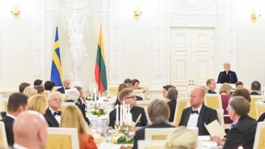 Lietuvos Respublikos Prezidentės Dalios Grybauskaitės tostas iškilmingoje vakarienėje Švedijos Karaliaus Karlo Gustavo XVI ir karalienės Silvijos garbei